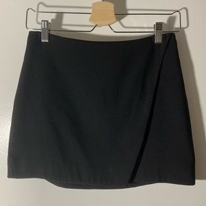 FOREVER 21 Size Small Zipper Black Flap Mini Skirt
